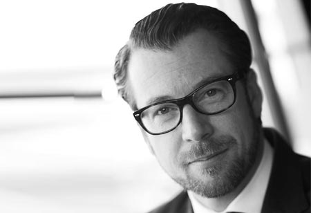 Digital Strategy: Contemplating holistically the Uture of Medium-Sized businesse U